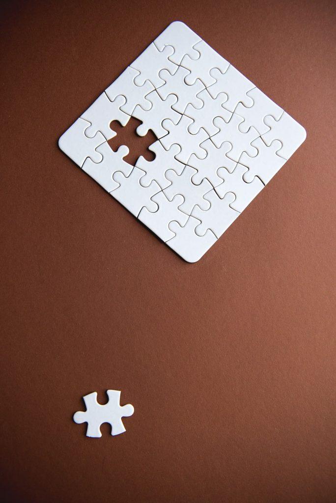 Apresentar os resultados e discussões juntos ou separados?
