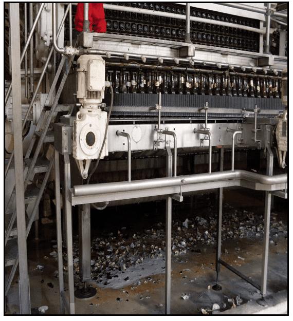 linha de produção da CERPASA parte de limpeza das garrafas.