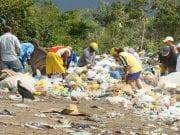Catadores no lixão de Marapanim-PA