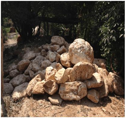 Pedra-sabão destinada à fabricação de panelas. Fonte: próprio autor (2015).