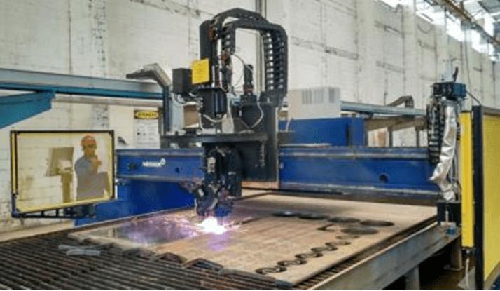 Figura 18 – Máquina de corte CNC. Fonte: Beconal