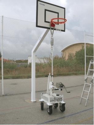 Foto 4 - Ensaio de estabilidade da estrutura do equipamento. Fonte: Eng. José Manuel Viegas - Lemnon Safe - Portugal
