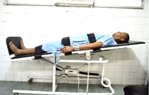 Figura 04: Paciente inclinado à 30° na Prancha.Fonte: (Arquivo pessoal, 2015).