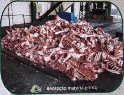Figura 7: Recepção da matéria prima na Tolva. Fonte: Catálogo disponibilizado pela empresa Grande Rio Reciclagem Ambiental