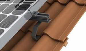 Instalar as placas solares sobre os trilhos e conectar os cabos